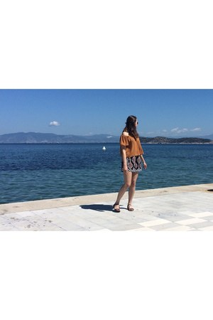 bronze Mango top - navy H&M shorts - black Stradivarius sandals