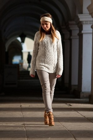 periwinkle H&M sweater - tawny wojas boots - silver H&M pants