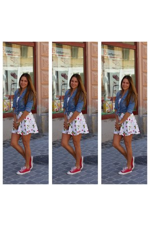 bubble gum Yumy dress - hot pink Converse sneakers