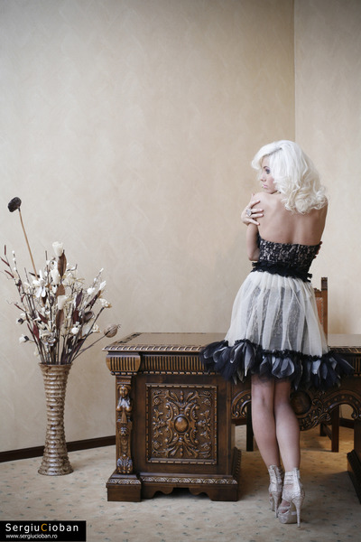 roxana simon dress dress - random brand accessories - off white Stefana heels