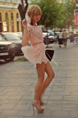 black raus purse - light pink raus dress - black raus accessories