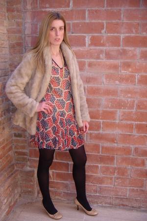 beige vintage shoes - Kate Moss for Topshop dress - beige H&M jacket - gold H&M