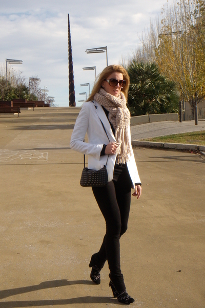 white Topshop blazer - beige Zara scarf - black Zara shoes - black Bershka purse