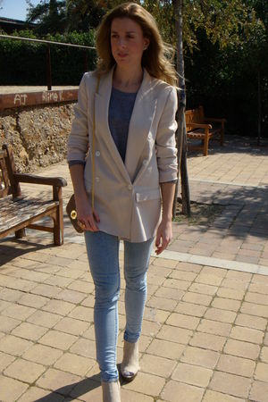 beige Zara blazer - beige Jeffrey Campbell shoes