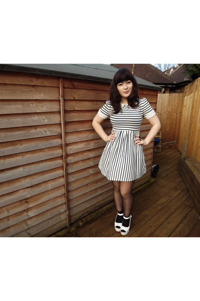 Dahlia dress - asos shoes