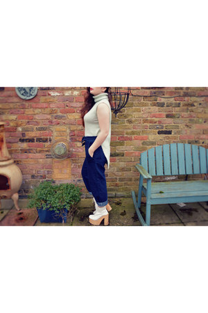 light blue roll neck pull&bear top - white deandri helgas Deandri shoes