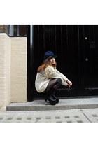 black kidrobot cap kidrobot hat - black OASAP leggings