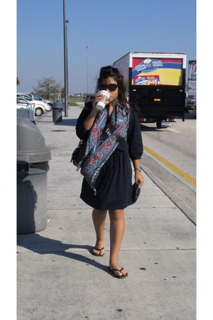 Gap dress - sunglasses - scarf - Prune purse