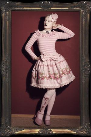 pink Bodyline heels - light pink Fan Plus Friend hat - light pink Bodyline socks