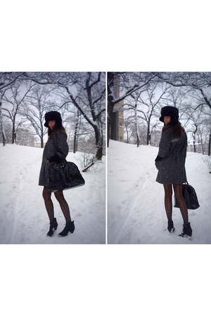gray coat - black boots - black accessories - black