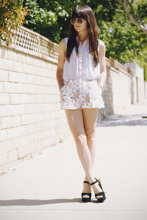 white floral shorts - sky blue two toned blouse - black heels