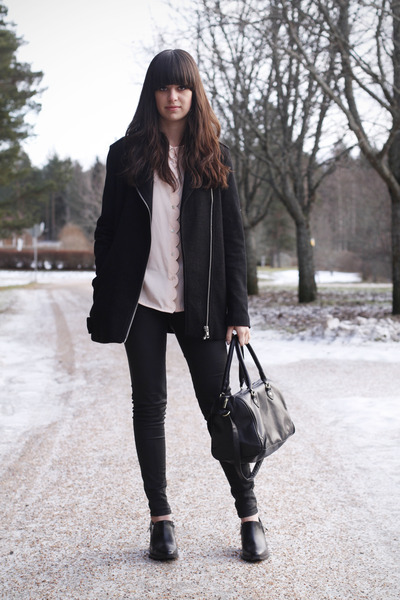 light pink scalloped blouse - black zippers boots