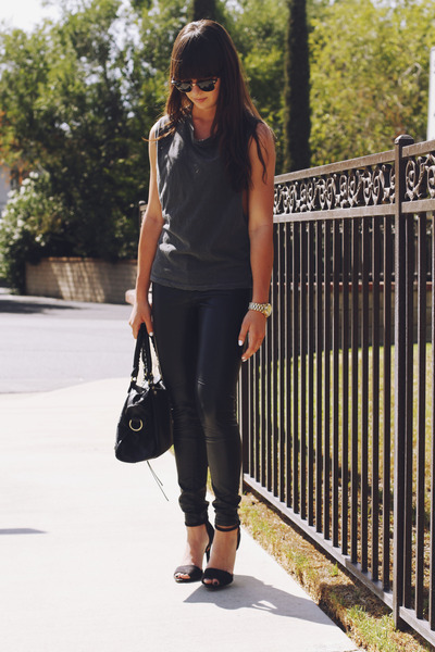 charcoal gray muscle tee shirt - black leather pants - black heels