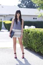 off white embellished skirt - black clutch bag - magenta heels