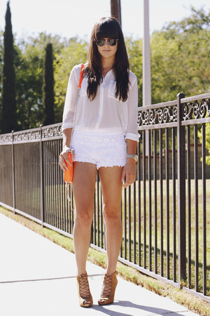purse - lace shorts - pumps - blouse