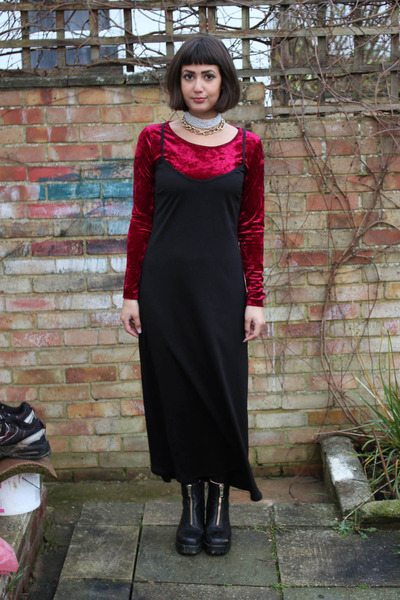 ruby red velvet Primark top - black leather vagabond boots