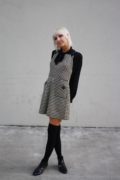 black vintage blouse - black vintage - black Forever 21 socks - black vintage bo