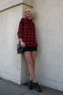 Red-vintage-shirt-black-silence-noise-skirt-black-chanel-purse-black-vin