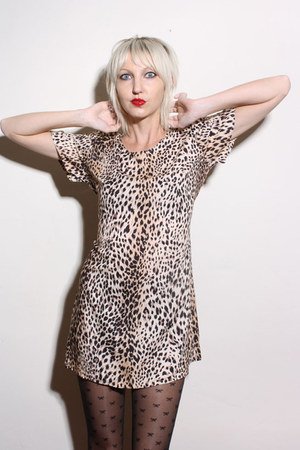 tawny leopard print vintage dress - black bow print Forever 21 tights