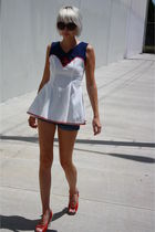 white vintage from Castaway Vintage top - blue vintage shorts - red C Ronson sho