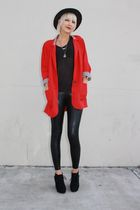 red vintage from Castaway Vintage blazer - black Kain t-shirt - black American A