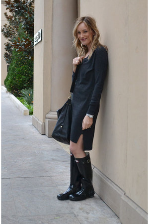 gray sweater Baukjen dress - black Hunter boots - black Paul & Joe Sister bag