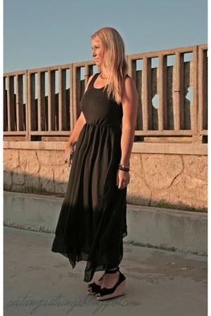 chiffon OASAP dress - nude Primark bag - black bow Sfera wedges