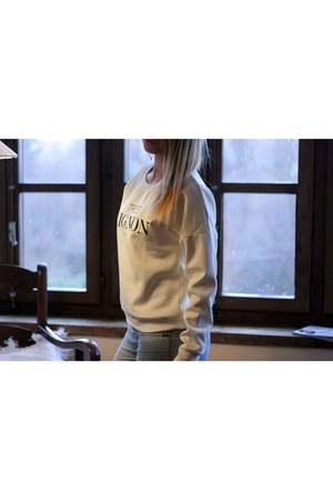 OASAP sweatshirt - white Primark earrings
