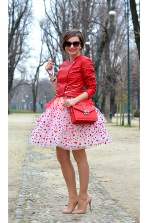 red and white Chotronette dress