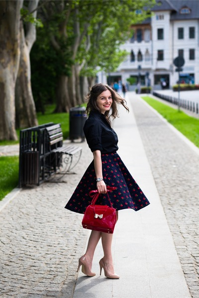 Vintage Midi Skirt - How to Wear and Where to Buy | Chictopia