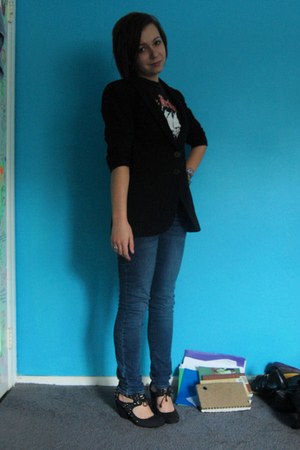 Zara blazer - Sister t-shirt - Delias jeans - Deanna and Ozzy shoes - various br