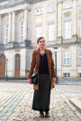 Brown-modcloth-coat-black-h-m-sweater-navy-vintage-bag