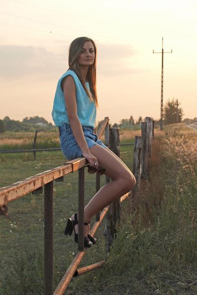 black TK Maxx sandals - Levis shorts - aquamarine second hand blouse