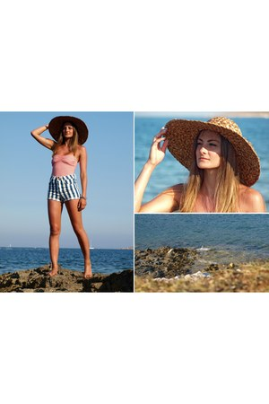 red Glitter ring - mustard second hand hat - blue H&M shorts