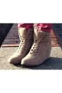 Bronze-stradivarius-coat-tawny-chicnovacom-bag-ruby-red-reserved-pants