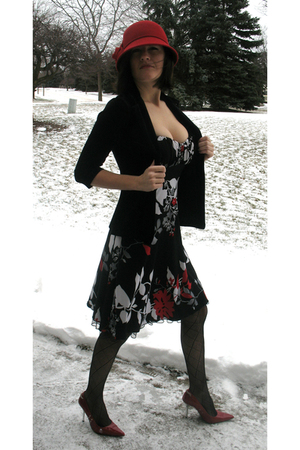 red Charter Club hat - black speechless dress - black vintage blazer - black Mac