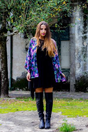 black boots - navy kimono VESSOS blazer