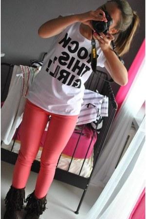 hot pink Tommy Hilfiger jeans - crimson Zara boots