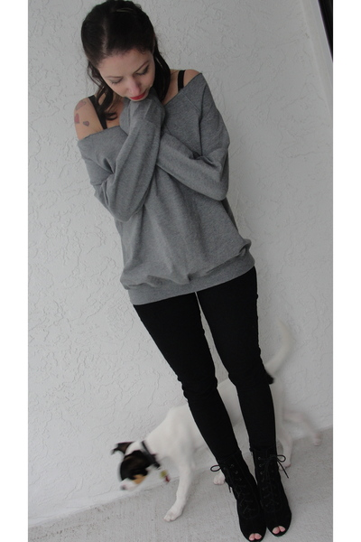 gray Forever 21 top - black Old Navy jeans - black Urban Outfittersfitters shoes