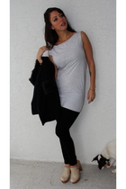 gray American Apparel top - black Old Navy jeans - beige Jeffrey Campbell shoes