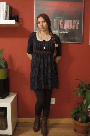 Bershka dress - Zara boots - Mi Sa Ko necklace - Bershka tie