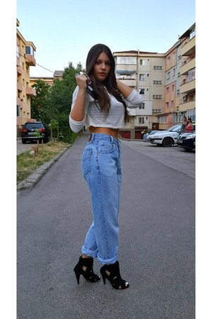 jeans - bracelet - t-shirt - glasses - heels