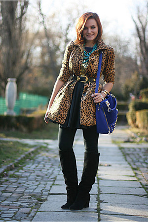 light brown leopard print H&M coat - black suede Zara boots - blue OASAP bag