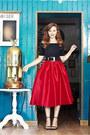Red-choies-skirt-black-oasap-top-black-zara-sandals