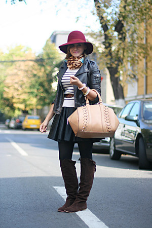 light brown Zara bag - brick red vintage hat - black skater River Island skirt