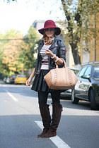 light brown Zara bag - brick red vintage hat - black skater River Island skirt