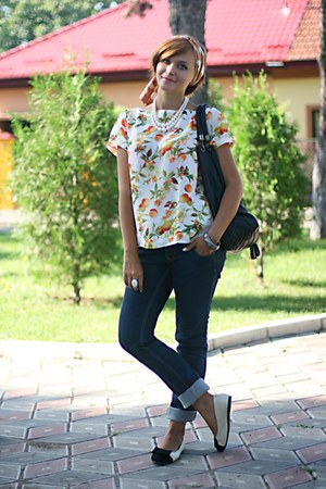 printed Zara top - Lee Cooper jeans - bow OASAP flats