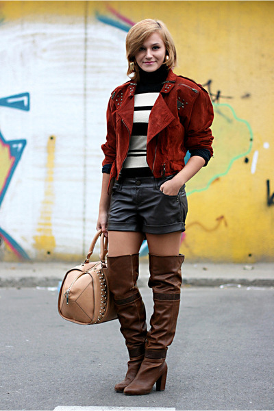 ruby red suede vintage jacket - brown leather Stradivarius boots