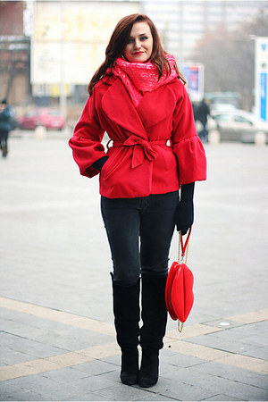 red clutch OASAP bag - black Zara boots