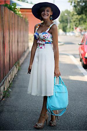 crop top - neutral Zara shoes - sky blue OASAP bag - white vintage skirt